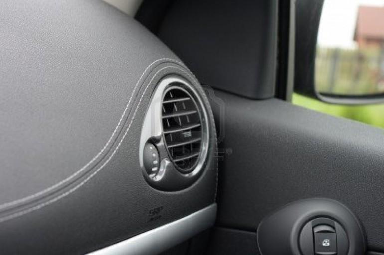 ricarica del condizionatore auto