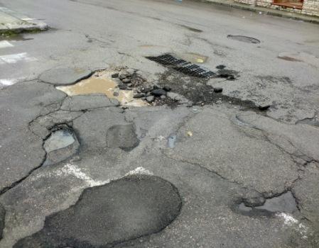 risarcimento per i danni da buche stradali