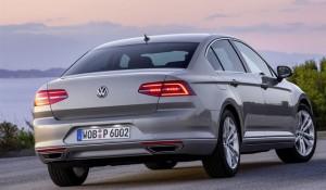Volkswagen-Passat-2015