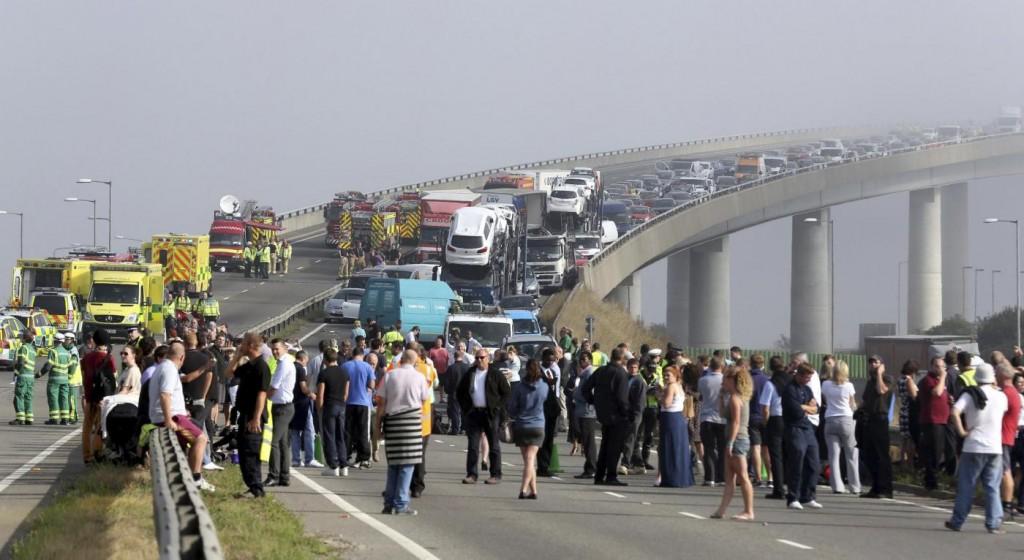 Il video del maxi incidente nel Kent: oltre 100 auto coinvolte News