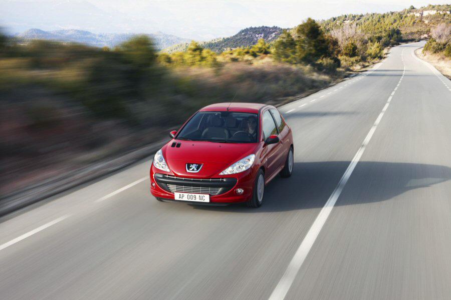 Recensione Peugeot 206 Plus GPL Peugeot