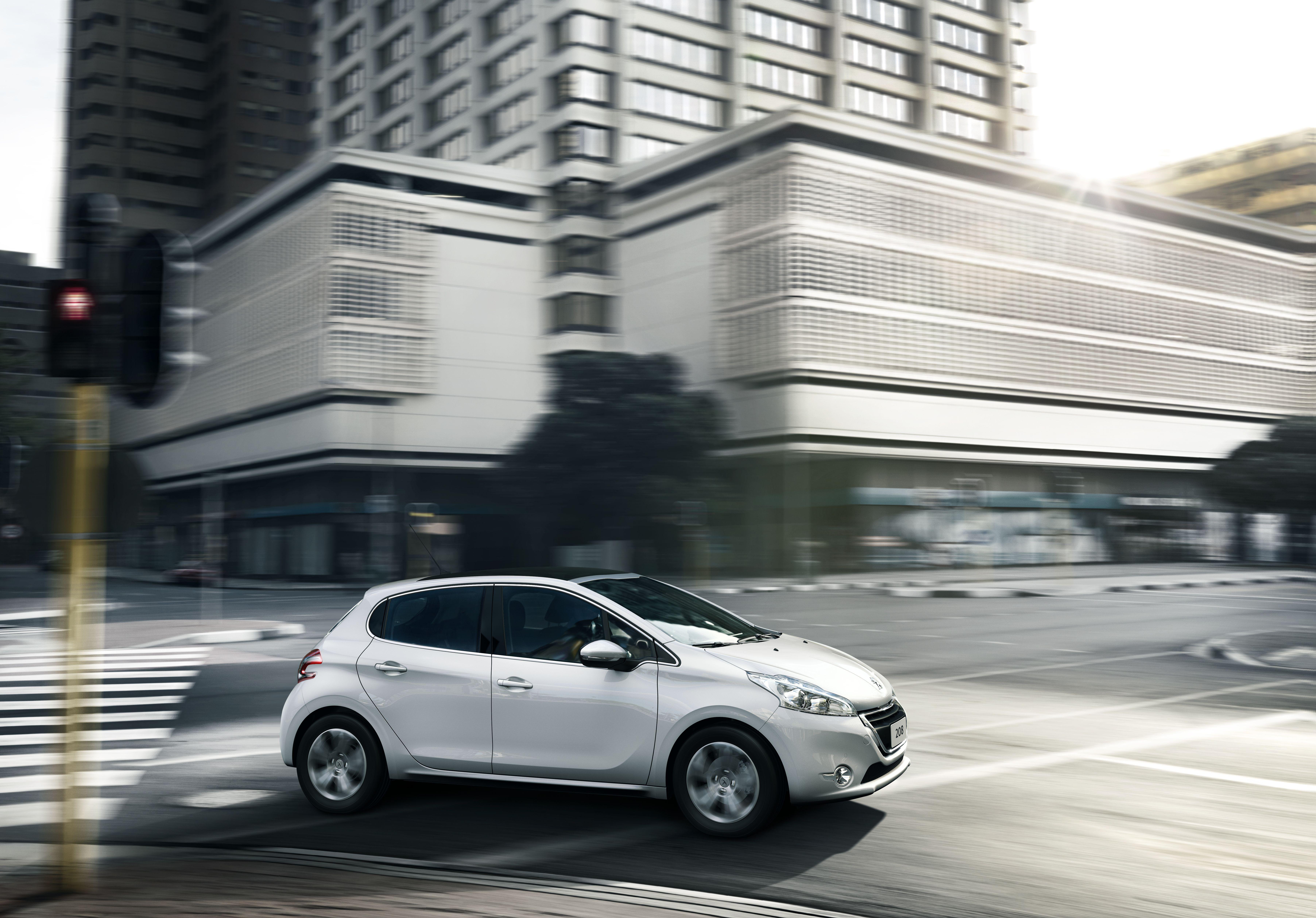 Recensione Peugeot 208 GPL Peugeot