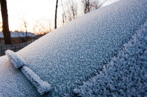 Parabrezza ghiacciato, ecco cosa fare! News